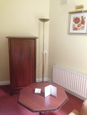 Oranmore Lodge Hotel: Bedroom in Oranmore Lodge