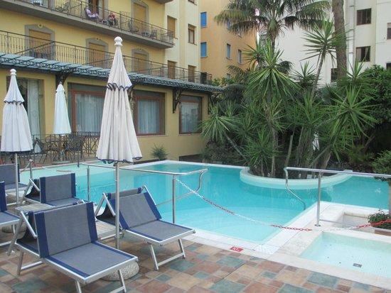 Hotel Zi Teresa: Pool