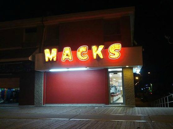 Mack's Pizza