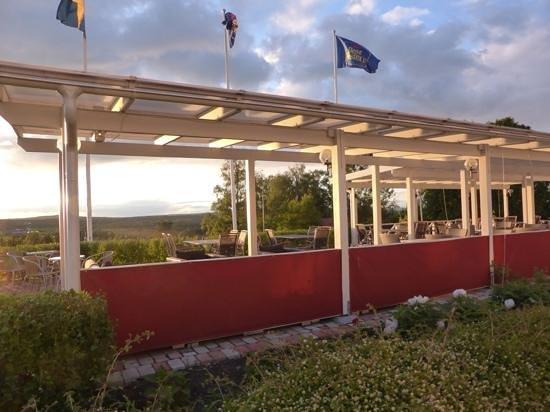 Best Western Hotell Lerdalshoejden: het terras van het hotel