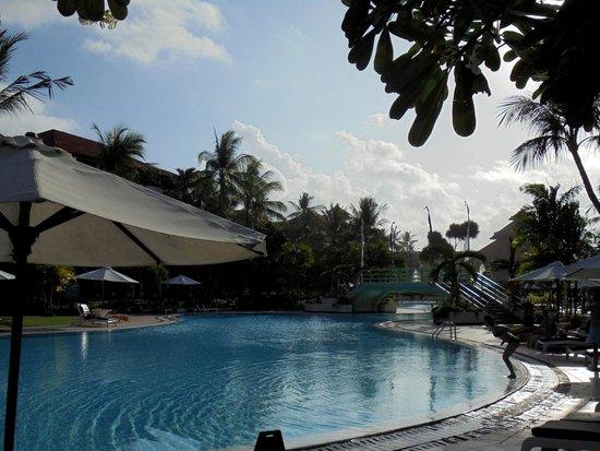 Ayodya Resort Bali: One of the pools