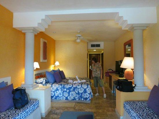Iberostar Tucan Hotel : Oceanfront junior suite