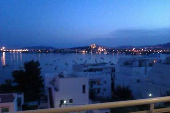 Hotel Victoria : View of Ibiza from our balcony.