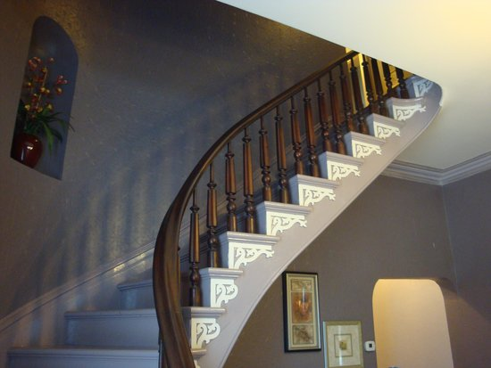 Thorwood Rentals and Retreats: Beautiful Stairway