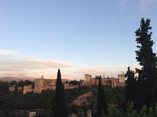 El Huerto de Juan Ranas : vista da varanda para Alhambra