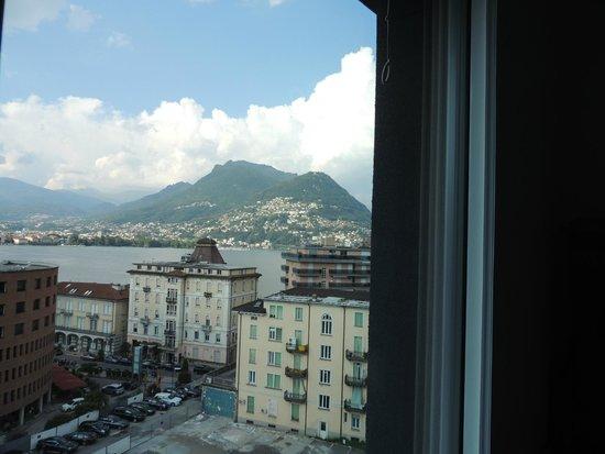 Ibis budget Lugano Paradiso: vue depuis la chambre 727 - 1