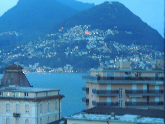 Ibis budget Lugano Paradiso: vue la nuit