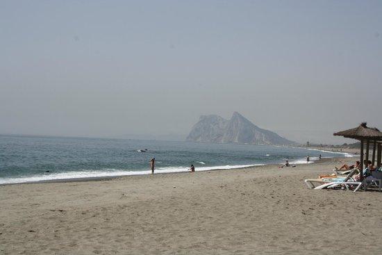Aldiana Alcaidesa: Strand mit Blick auf den Felsen von Gibraltar
