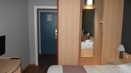 Ibis Dinant : Bedroom