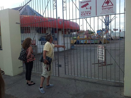 Porthcawl, UK: The closed fair gates