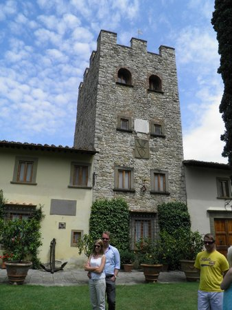 Castello di Verrazzano: Tower.Only section remaining from the original castel.