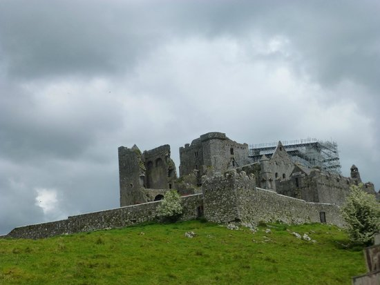 Rock of Cashel: View from walk