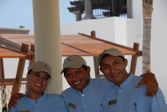 Grand Residences Riviera Cancun : Some of the staff at Heaven Bar