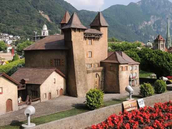 Swissminiatur: chateau de Vaumarcus