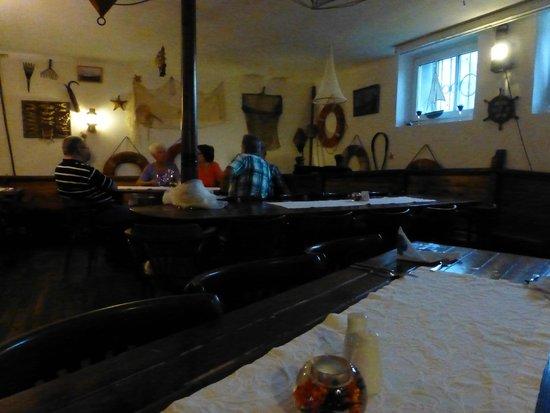 Kurhotel Sassnitz: Bar (Kneipe) des Hotels - sehr urig und nett