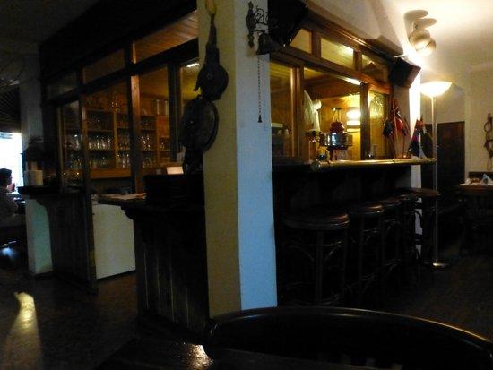 Kurhotel Sassnitz: Kneipe mit nettem Service und gutem Bier