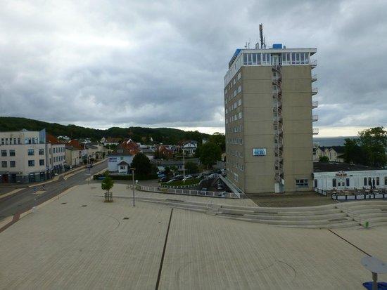 Kurhotel Sassnitz: Blick aus dem 3 .Stock auf das Rügen Hotel
