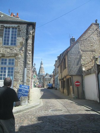 Chateau de Domfront : looking up towards town