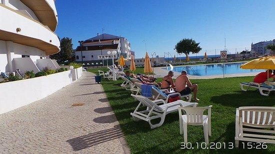 Hotel Apartamento Brisa Sol : Swimming pool
