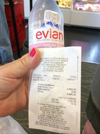 Hotel Riu Guanacaste: $6.00 bottle of water