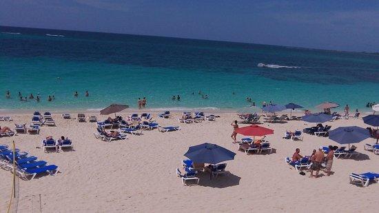 Hotel Riu Palace Paradise Island : Riu beach