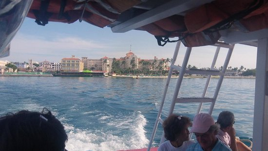 Hotel Riu Palace Paradise Island: View from water taxi-Riu next to Atlantis