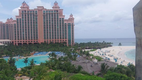Hotel Riu Palace Paradise Island: View of Atlantis next door