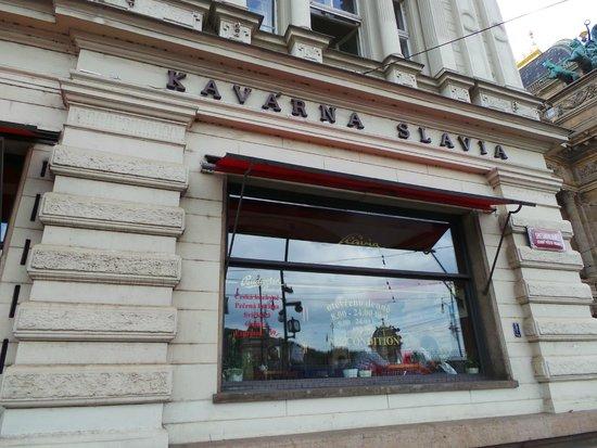 Cafe Slavia: Fachada para o rio