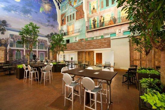 Embassy Suites by Hilton New Orleans Convention Center: Atrium