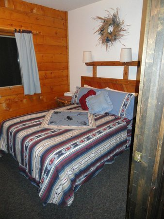 Latigo Dude Ranch: One of the guest rooms in Gunsite Cabin