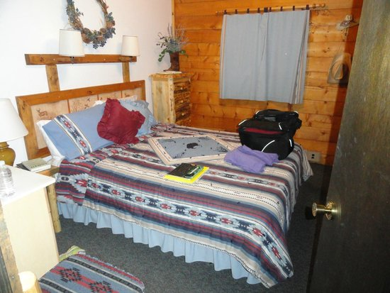 Latigo Dude Ranch: Another room in Gunsite Cabin