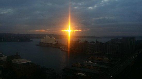 Four Seasons Hotel Sydney: Sorgere del sole