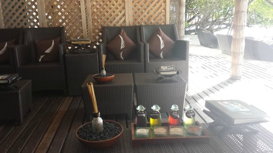 Reethi Beach Resort: coconut spa