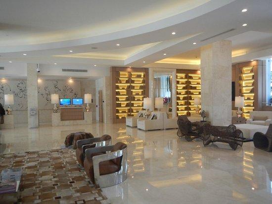 Grand Beach Hotel Surfside: Lobby