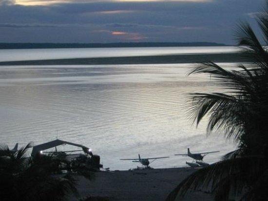 Tropical Manaus Ecoresort: Proximo ao Pier do Hotel