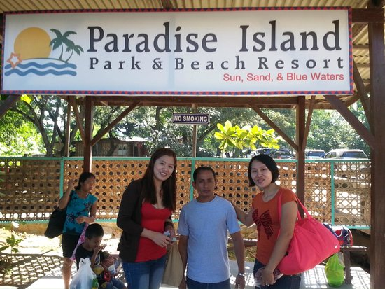Paradise Island Park & Beach Resort: The boat port going to the island