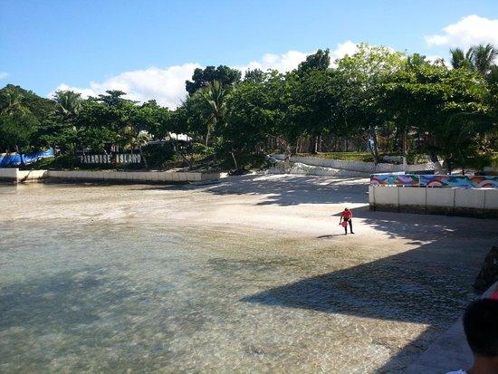 Paradise Island Park & Beach Resort: Beach at Paradise Island