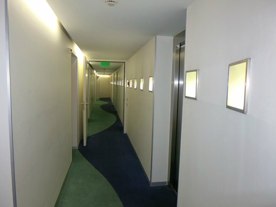 Hotel du Theatre by Fassbind: The 2nd floor corridor.