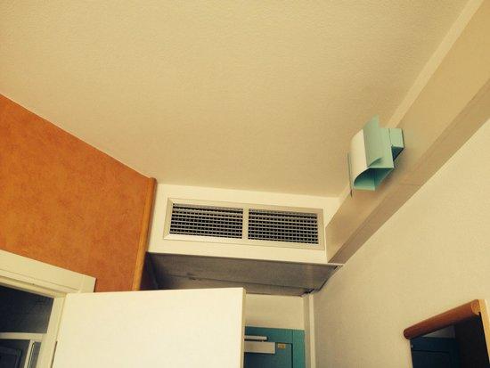 Ibis Firenze Nord Aeroporto : Ar condicionado não funciona!