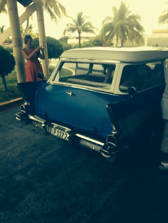 Hotel Playa Costa Verde: Old American car to holguin, amazing! Ask for vlad