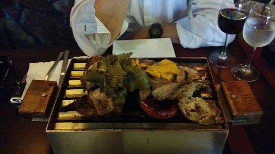 Brasas Vivas del Sur: Mix grill for 2