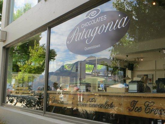 Patagonia Chocolates: Mountain reflection
