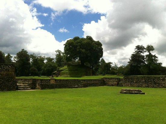 Iximche : Ruinas de Iximché