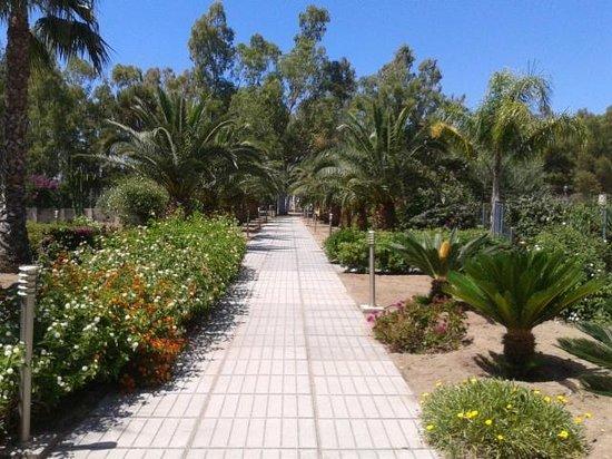VOI Baia di Tindari Resort : viale