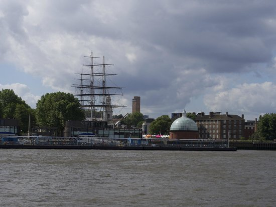 Greenwich Foot Tunnel: Domed tunnel exit, next to the Cutty Sark