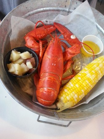 Lobster Pound & Real Pit BBQ: Lobster dinner