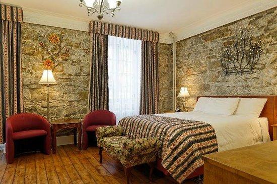 Manoir de L'Esplanade : Deluxe Room with Queen Bed