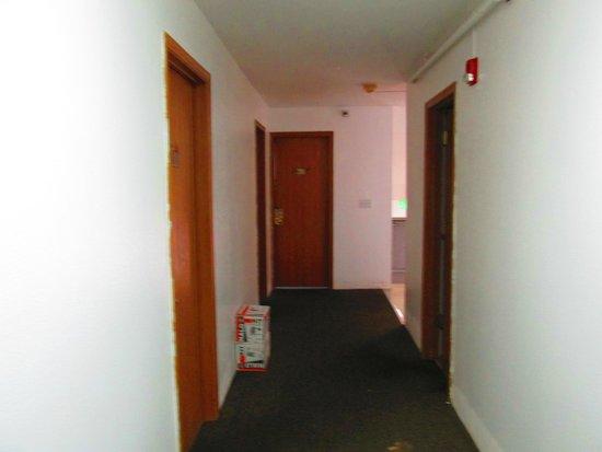 Arctic Adventure Hostel : Hallway