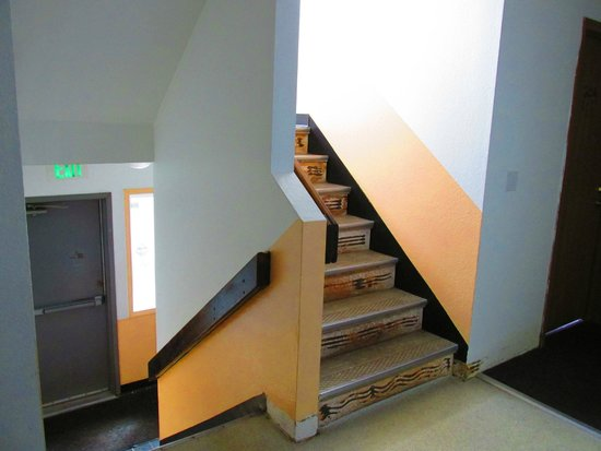 Arctic Adventure Hostel: Stairway to 3rd Floor