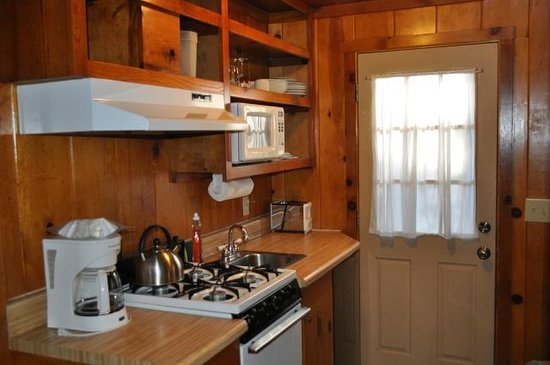 Rustic Cottages: Small Kitchenette